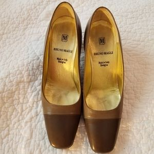 Bruno Magli Bologna Two Tone Cap Toe Leather Pumps